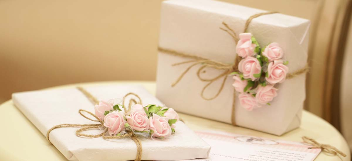 Choosing the Perfect Wedding Gifts for Your Guests